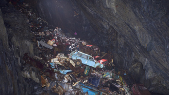 Több emelet mély roncstelep lett az elhagyott bányából