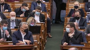 Ad támogatást az Orbán-kormány, de csak kormánypárti kerületeknek