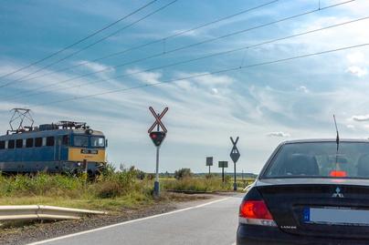 autó vasúti átjáró
