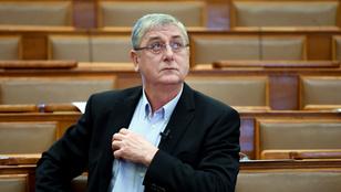 Gyurcsány Ferenc szerint Orbán Viktor nem is a kínai vakcinát kapta meg