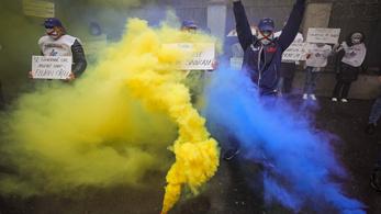 Rendőrök tüntettek Bukarestben, kérni kellett őket, hogy viselkedjenek civilizáltan