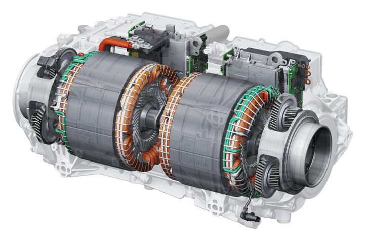 Oldalanként egy háromfázisú aszinkronmotor az Audi rendszerében, így nincs szükség differenciálműre