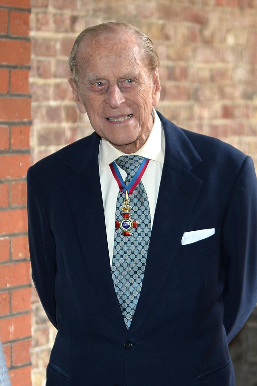 Fülöp herceg állapota miatt kérték sokan, hogy halasszák el az interjút egy későbbi időpontra.