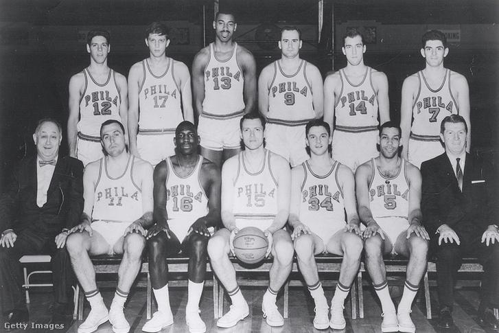 Az 1961–62-es Philadelphia Warriors csapata, Wilt Chamberlain 13-as mezben