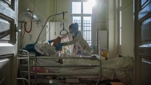 Durván megugrott a halottak száma, több mint hatezren kórházban vannak