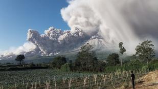 Egyszerre két vulkán is kitört Indonéziában