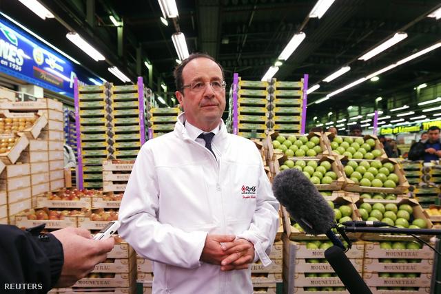Francois Hollande francia miniszterelnök a párizsi Rungis nagybani piacon
