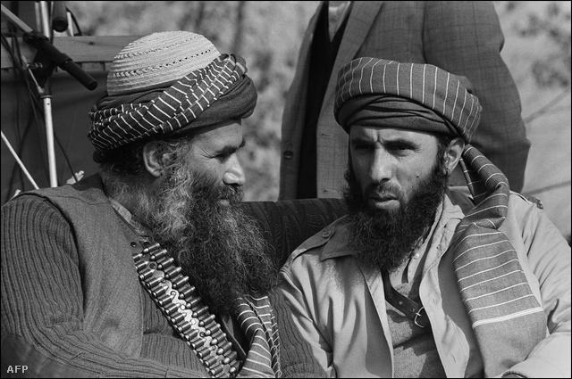 Gulbuddin Hekmatyar (j) 1987-ben