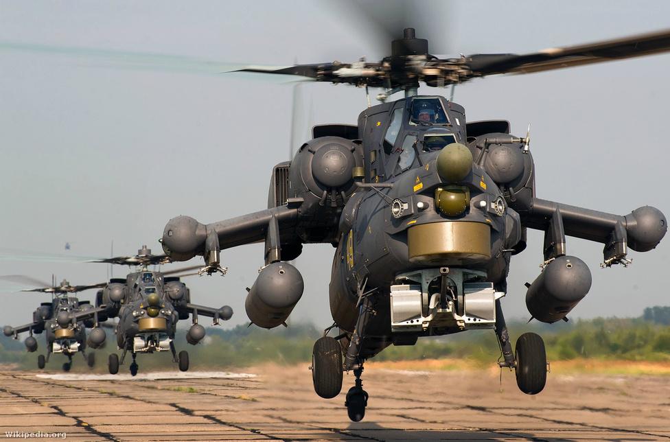 Az oroszok válasza az Apache-ra 2009-re készült el, bár már 1972-ben elkezdték a fejlesztését. A Havoc oroszosan túlméretezett, 30 milliméteres, 2,5 kilométeres hatótávolságú ágyúja mellett akár 66 rakétát is fel lehet rá szerelni. A Mi–24 utódjaként, ahhoz hasonlóan korlátozottan szállításra is alkalmas, kis utasterében a személyzet mellett hárman utazhatnak. A helikopter maga 15-16 millió dollárba kerülhet, de a kiegészítő szolgáltatások nagyon megdobhatják az árát. Irak 2012 októberében 4,2-5 milliárd értékű fegyverbeszerzésről tárgyalt Oroszországgal. A csomagban SA–22-es légvédelmi rendszereket és 30 Mi-28-ast kínáltak az oroszok.