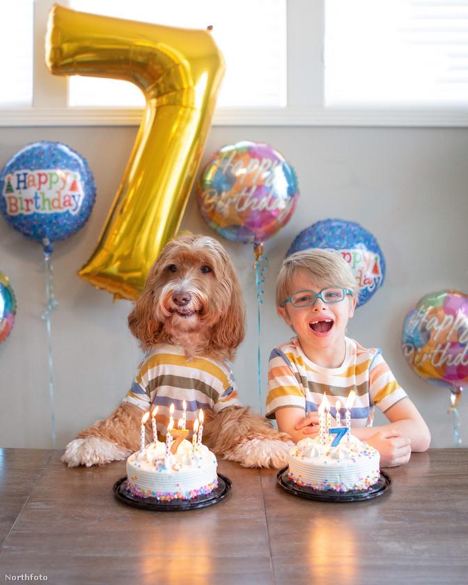 Mivel ennyire jó barátok, természetes, hogy még a születésnapjukat is együtt ünneplik
