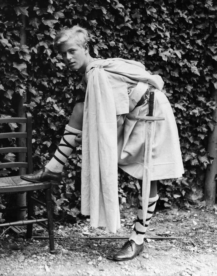Fülöp herceg így festett fiatalon, tinédzserként. Szerintünk Harry herceg tőle örökölte több vonását is.