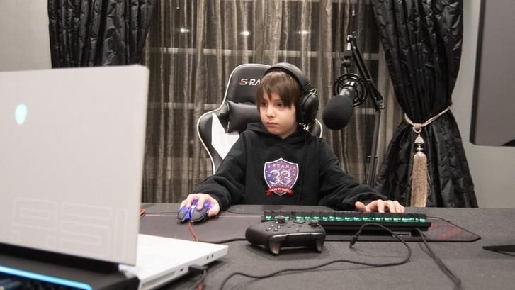 Joseph már négyéves kora óta szenvedélyes Fortnite-játékos, és most közel 10 millióért felvette egy e-sport-csapat (Forrás: Team 33)