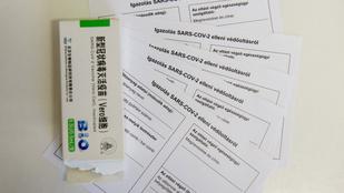 Vakcinaútlevél: nem tudni milyen következménye lesz, hogy a magyarban nem lesz oltástípus