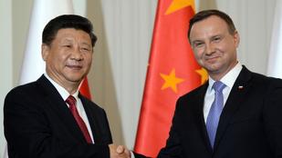 Már a lengyelek is tárgyalnak a kínai vakcináról