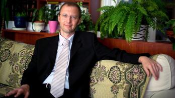 Molnár Antal: A Magyarságkutató Intézetet támogatni olyan, mintha a vírustagadókat finanszíroznák