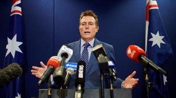 Nem mond le a nemi erőszakkal vádolt ausztrál igazságügyi miniszter
