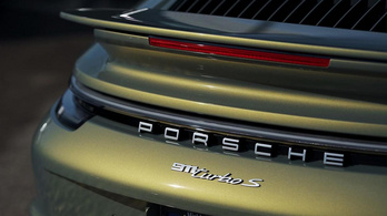 100 milliós Porsche, 30 milliós fényezéssel