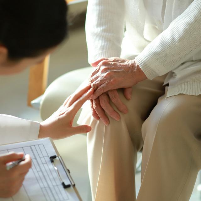 Pajzsmirigy-alulműködésről árulkodnak a lemezes körmök: a betegség 4 látványos tünete