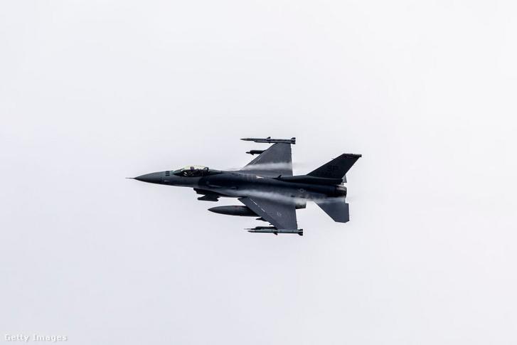 Ismerős forma: az F–16 Falcon közel negyven éve áll már szolgálatban. 2001-ben rendelt belőle utoljára a USAF