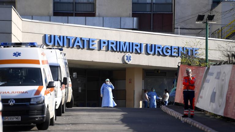 Románia: egyre több Covid-beteget kell kórházban ápolni