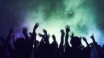 Megnyitják az izraeli stadiont, koncerttel ünneplik az oltottakat
