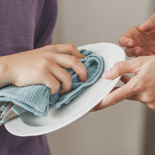 Milyen gyakran és hány fokon kell kimosni a konyharuhát? E. coli baktérium is lehet rajta