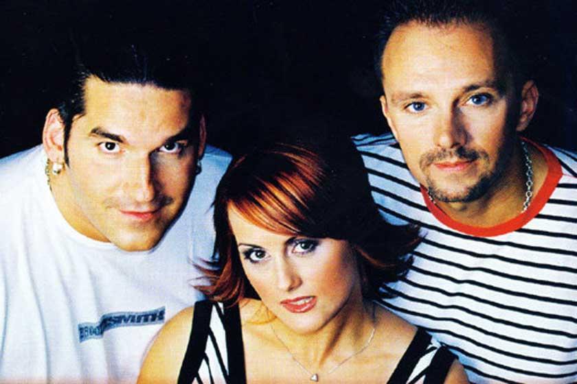A Desperado együttes vörös bombázójaként lett híres: Betti a 90-es évek óta ennyit változott