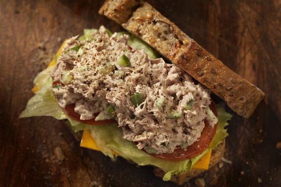 Szendvicsekben is tökéletes a tonhal.
