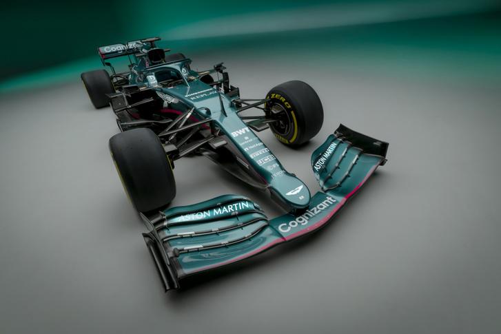 Aston Martin Cognizant Formula One Team AMR21 05