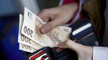 Cseh bankokon keresztül mosta a pénzt a háromtagú banda