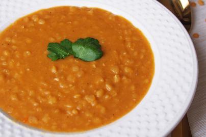 Isteni, hagyományos sárgaborsó-főzelék: liszt nélkül, paprikásan készül