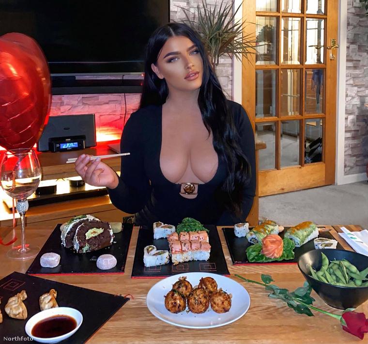 Ez volt az a bizonyos kép, amivel Hawthorne a Maki Ramen nevű éttermet promózta Bálint-napon