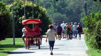 Nyárra ismét telt házas hazai turizmusra számítanak