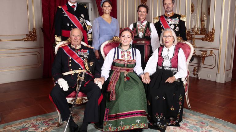 Így oltakoznak az európai királyi házak