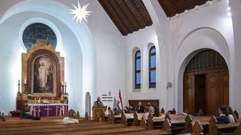 Bezárnak az evangélikus és a református templomok