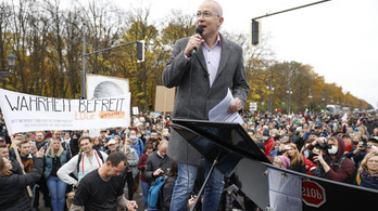 A világháború óta először figyeltek meg a titkosszolgálatok egy német parlamenti pártot
