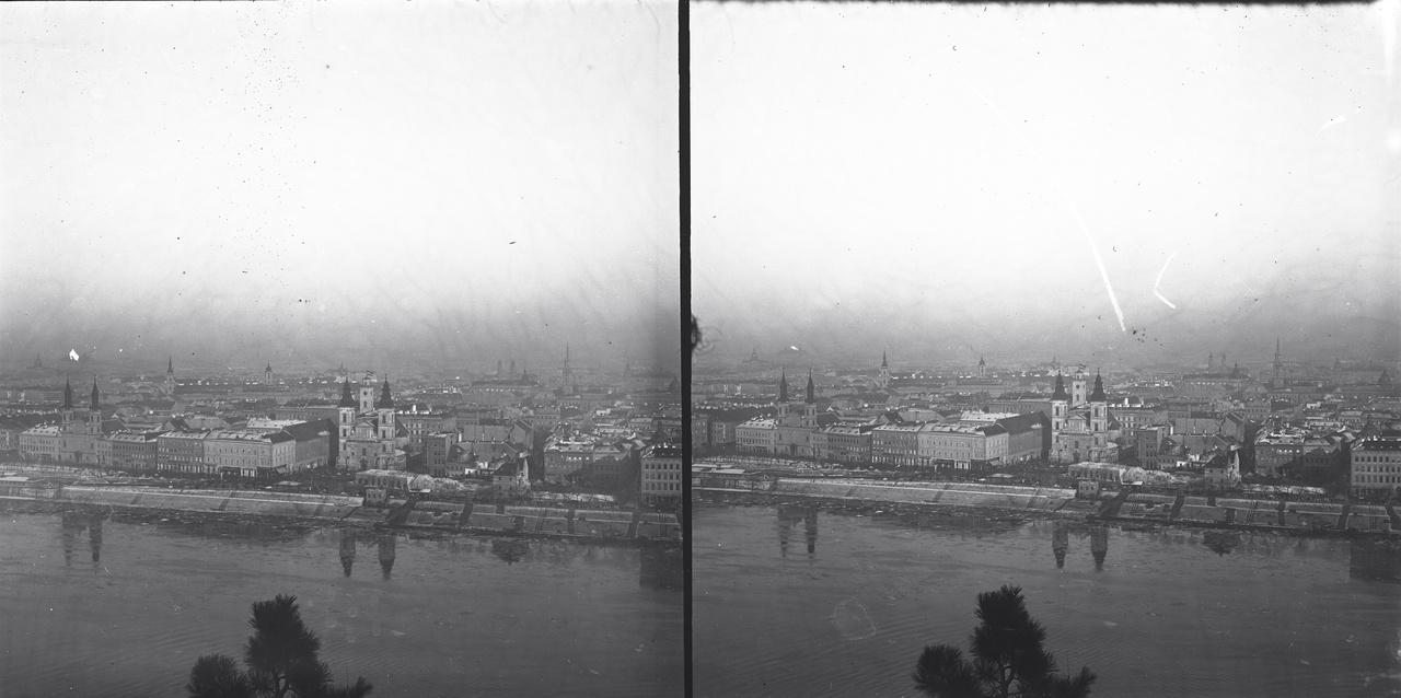 A mai Erzsébet híd helye a Dunán