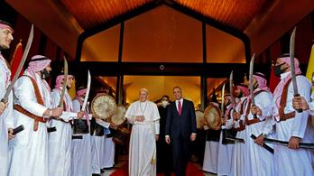 Megtörtént a történelmi találkozó Ferenc pápa és az iraki síiták legbefolyásosabb vezetője között