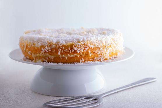Kókuszlikőrrel és édesítővel elkevert sajtkrémmel tálald.