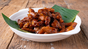 Ezekkel a szójás-mézes sertésfalatokkal gyorsan készíthetsz ázsiai hangulatú fogást