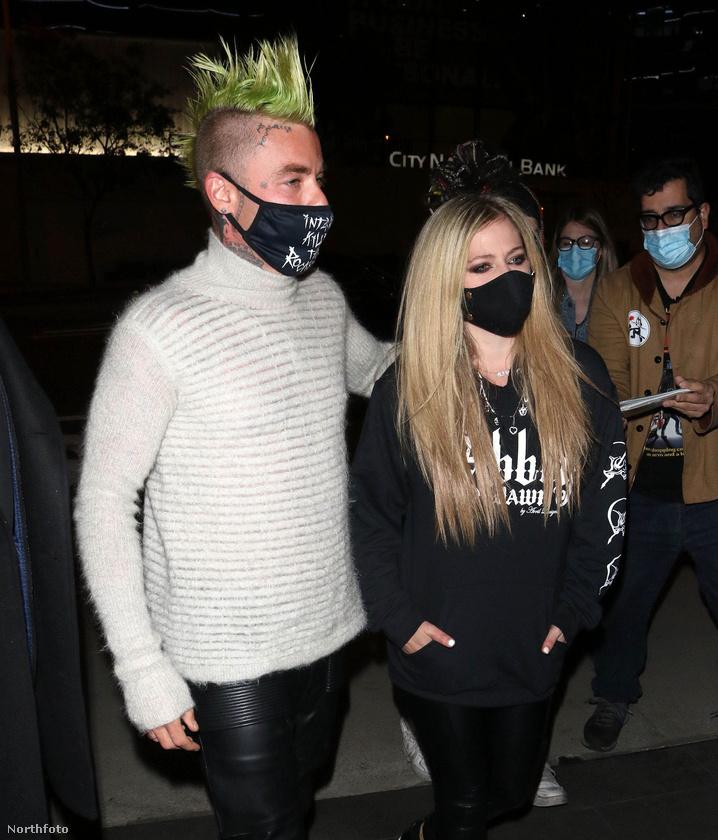 Lavigne két exe közül a két volt férjét neveznénk meg