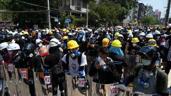 Megszállta a kórházakat a rendőrség Mianmarban