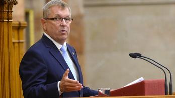 Matolcsy György is megszólalt az újraindításról