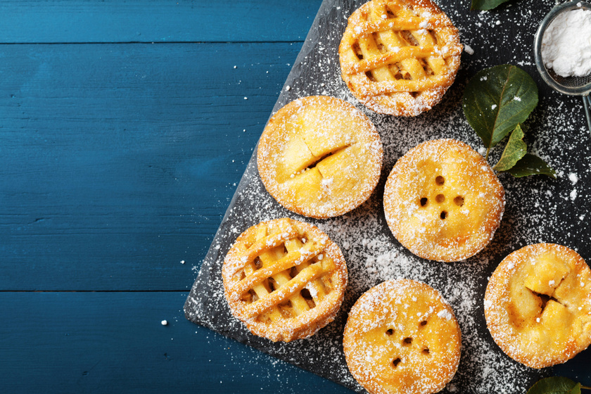 Omlós almás-fahéjas pite muffinformában sütve: régi kedvenc, új forma