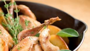 Mustáros-almás csirke fehérboros raguval – házi, gyúrt tészta tetején érdemes tálalnod