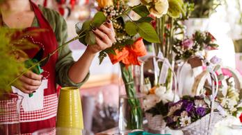 Nyitva lehetnek a virágárusok a piacokon