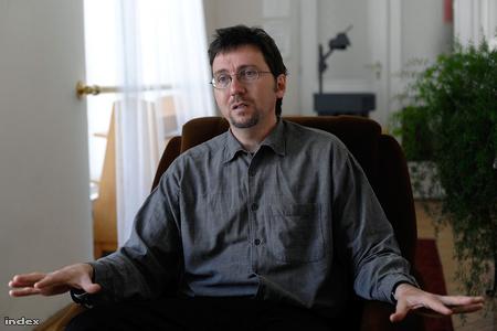 Boda Zsolt, az MTA Politikatudományi Intézetének és a Budapesti Corvinus Egyetem munkatársa