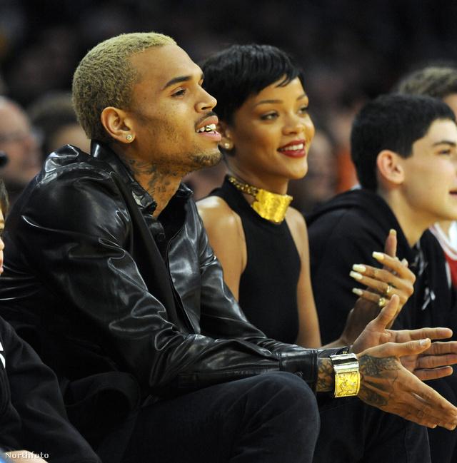 Rihanna és Brown meccset néz