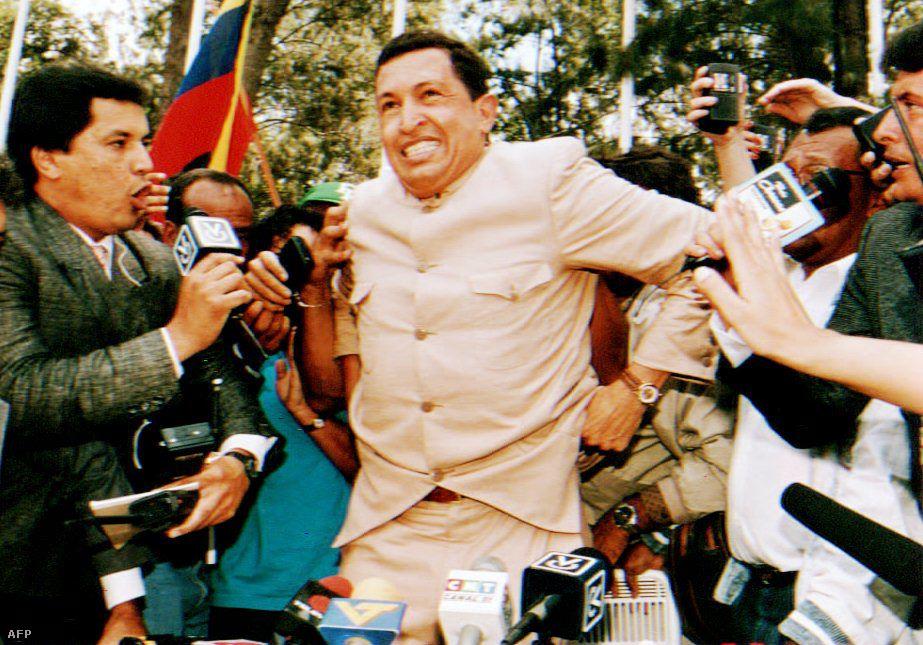 Börtönévei alatt társai még egyszer próbálkoztak a hatalomátvétellel, ismét sikertelenül. 1994-ben pedig kegyelemmel szabadulhatott a börtönből. Rögtön új párt szervezésébe kezdett, Mozgalom az Ötödik Köztársaságért néven.