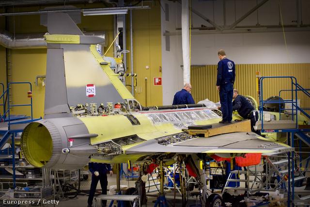Gripen vadászgép készül a Saab gyárában